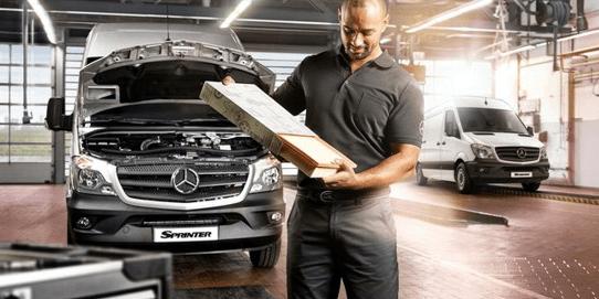 Por que a Mercedes-Benz está oferecendo um ano de manutenção grátis para linha Sprinter?